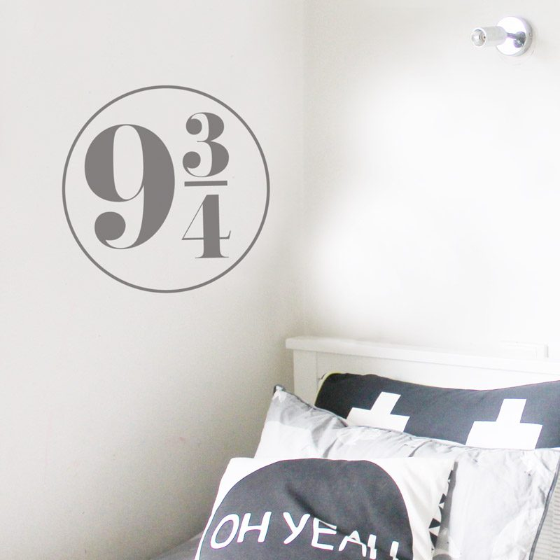 9 and 3/4 wall sticker